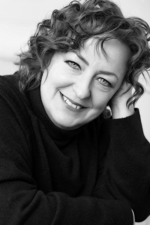 "<ul> <li><a href=""https://www.modernsalon.com/article/9827/choose-beauty-sandra-humphries"" target=""_blank"" rel=""noopener"">Sandra Humphries</a>, Director, Education, Kao Salon Division, Americas Region</li> </ul>"