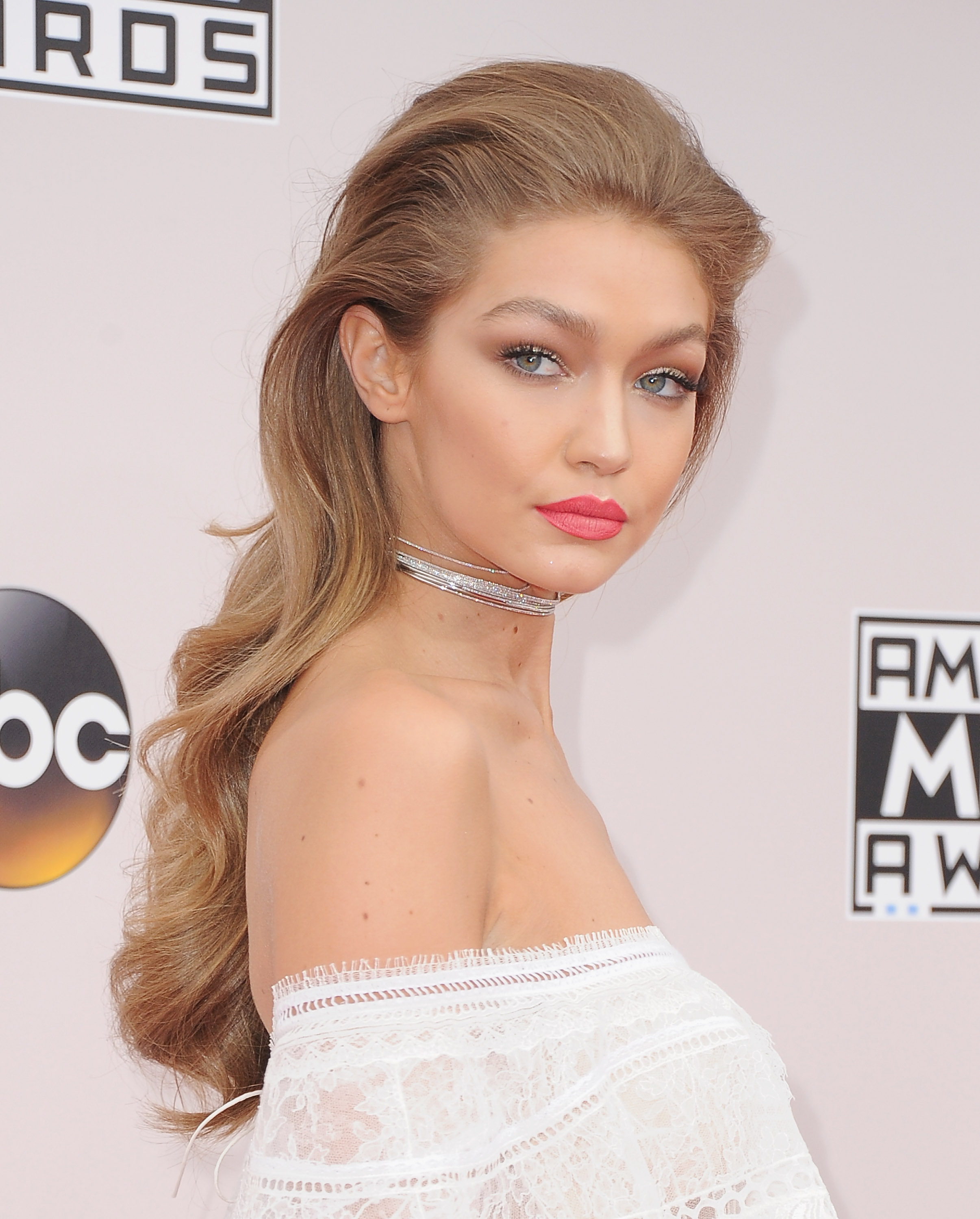 2016 AMA Trends: High Ponytails, Long Length and Berry Lips