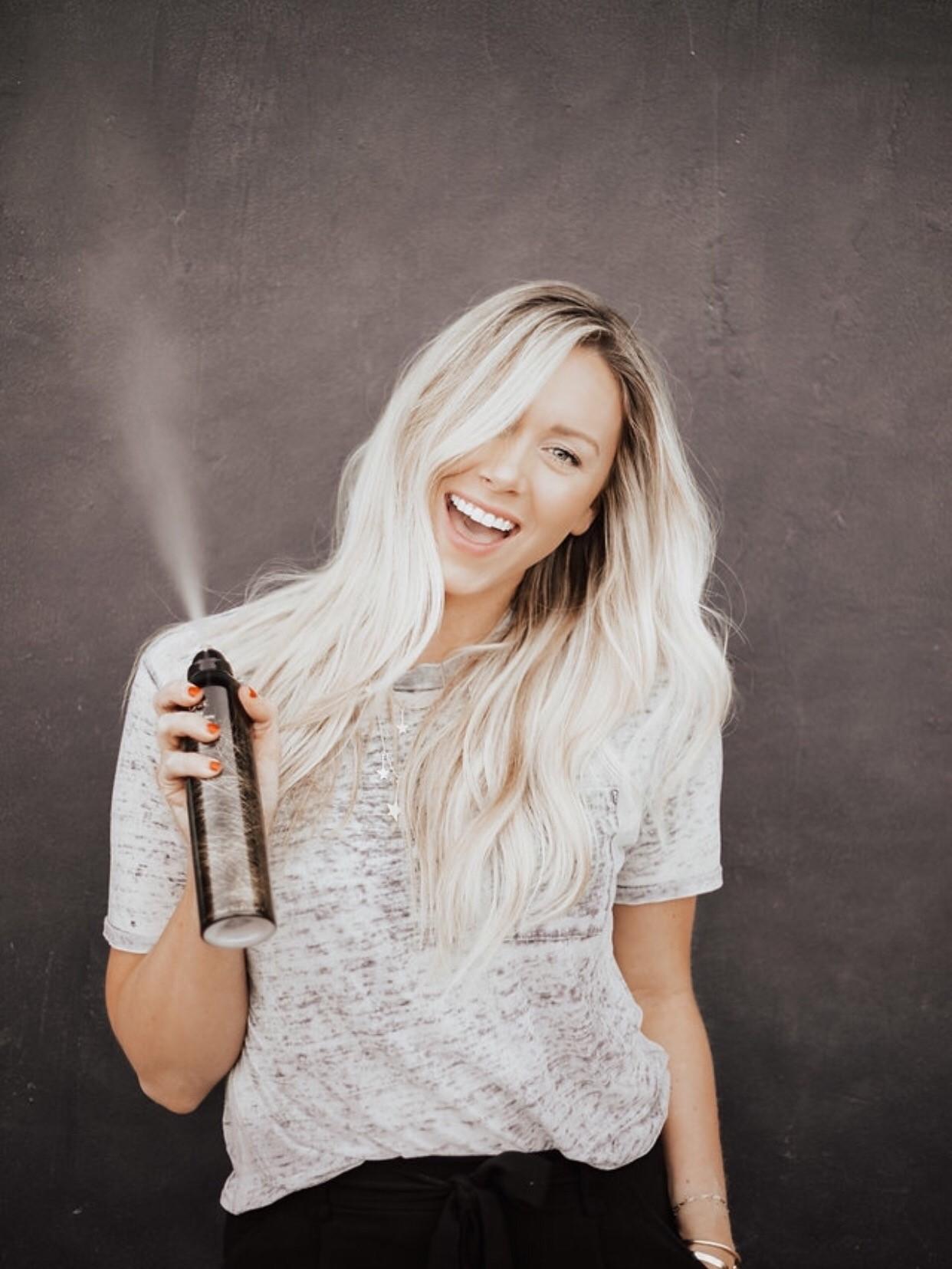 Marissa Larson @hairbymarissasue by @kinsleynicolephotography