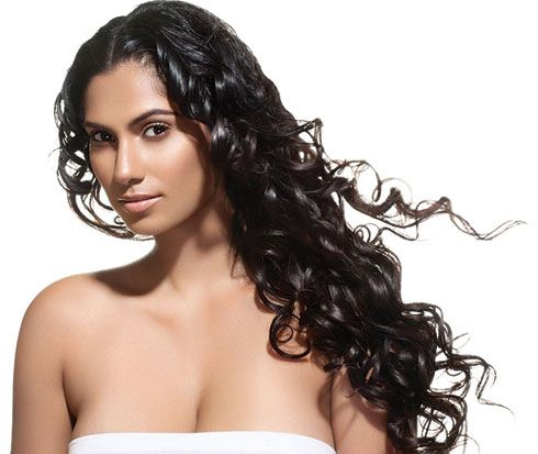 TEXTURE HOW-TO: Curl Hair Without a Curling Iron with Strawllers