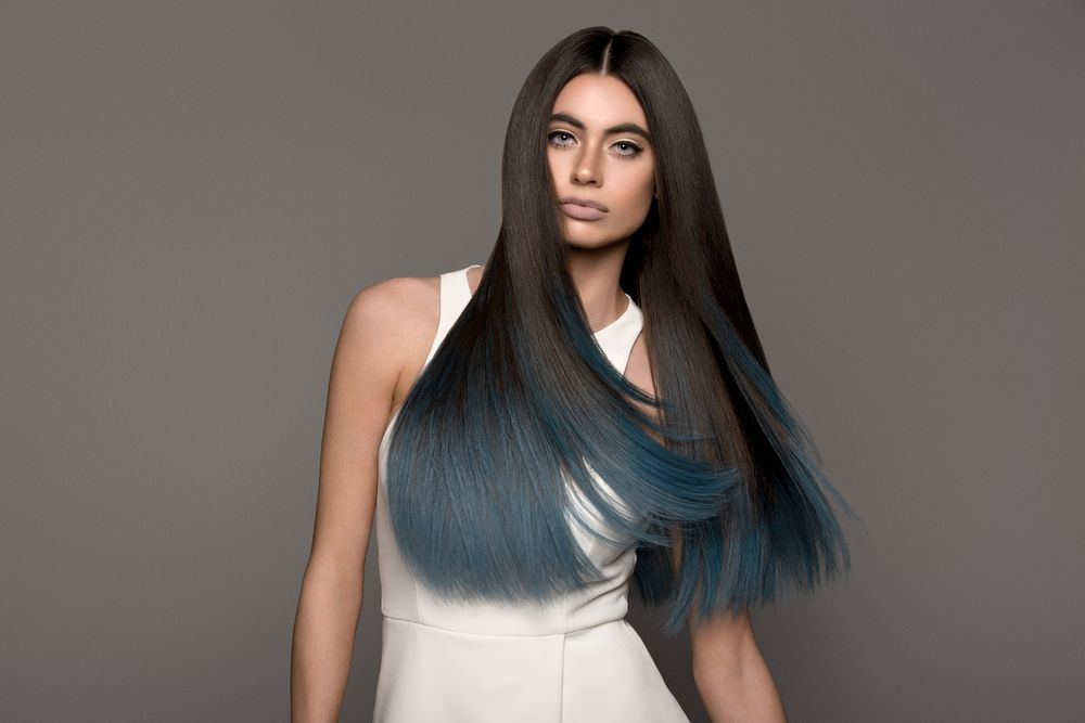 Hairtalk's Colormelts comein fashion-colorgradients and can easily be swapped in and out depending on the client'spreference.