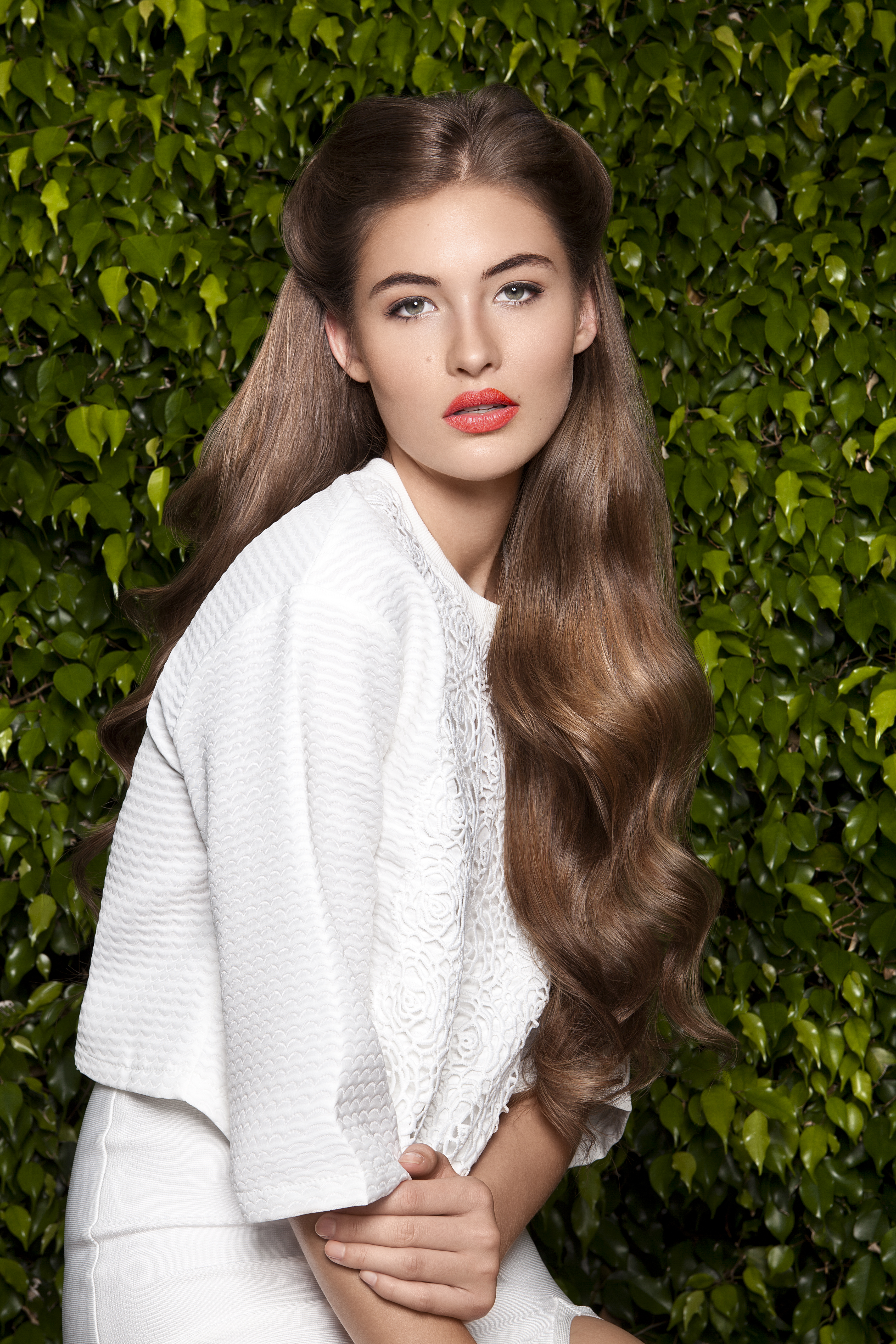 How Can Wefts be Applied for Natural-Looking Color Effects?