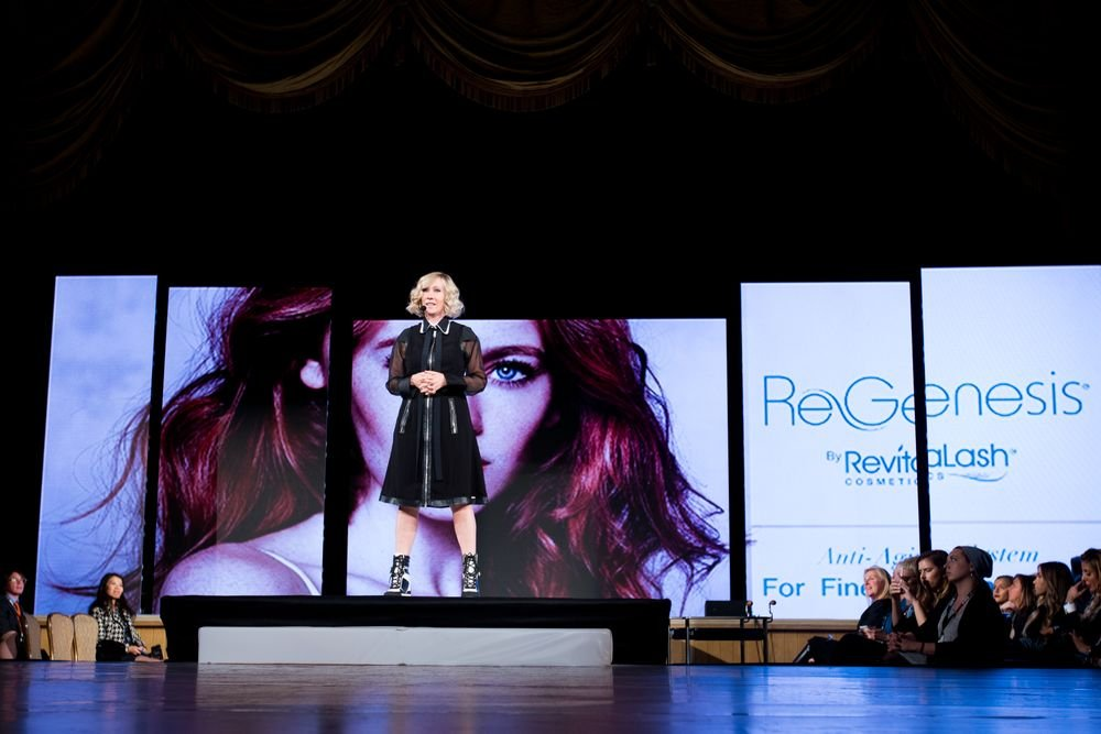 Tracey Hughes presents the new collection for ReGenesis at Intercoiffure.