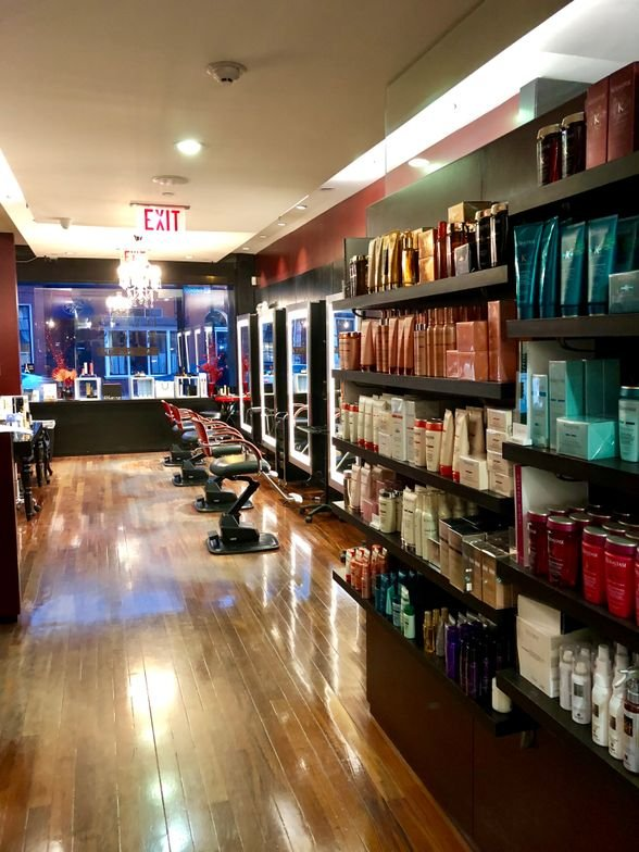 "<p>""A-list"" retail products from Kerastase, Shu Uemura and L'Oréal Professionnel place the salon in a sophisticated niche.</p>"