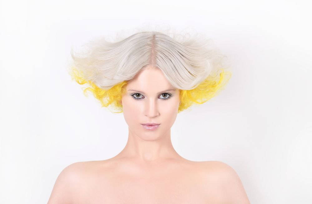<p><strong>Hair Color/Styling: Federico Longo for GKhair</strong></p>