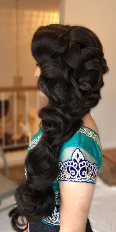 Anaa Khan (@hairbyanaak)