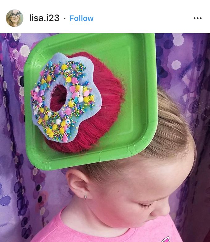 The brightly colored plate makes this munchkin's look AMAZING.