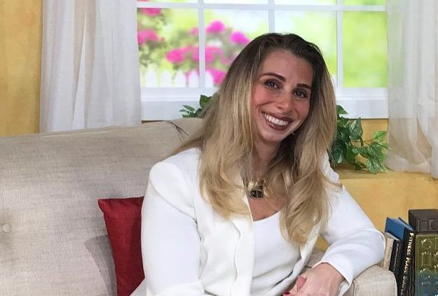 <p>Stacey Chillemi, founder of The Complete Herbal Guide, recommends several natural solutions for female hair loss, including saw palmetto and biotin.</p>