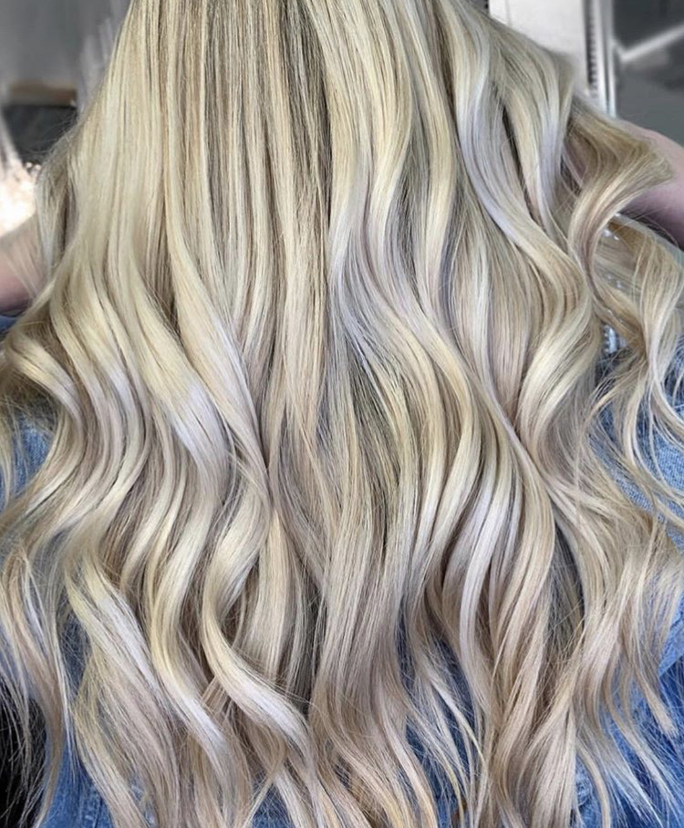 @hairbychrissydanielle created this Truss Professional blonde.