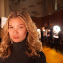 HOW-TO: Sensuous Soft Waves Seen at Sherri Hill NYFW