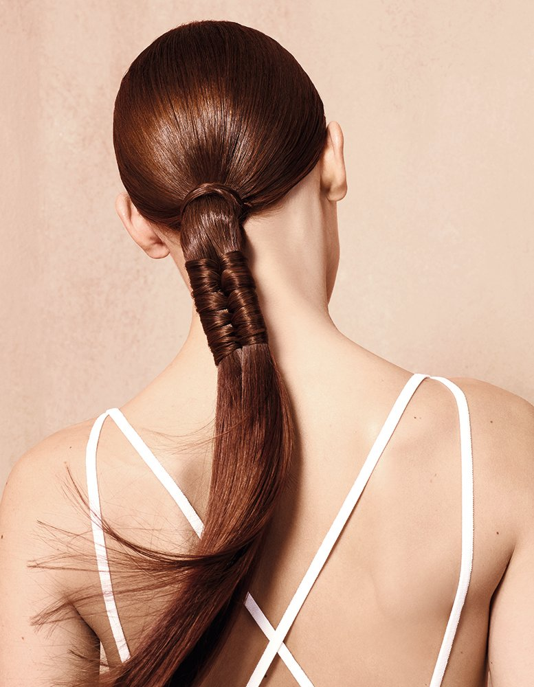 HOW-TO: An Eye-Catching Zipper Ponytail