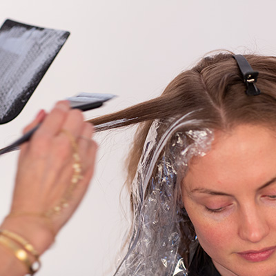 <p>Less is more when balayaging fine hair—take fewer sections and do single-point balayage pieces.</p>