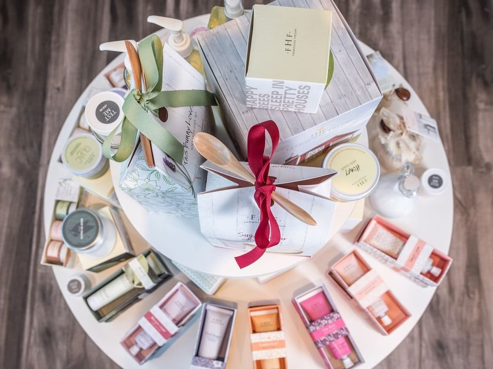 <p>While the overall palette for LaBelle Nail Bar in Ardmore, Pennsylvania, are lush creams and beiges, soft colors come in through the packaaging displayed on the nail salon&#39;s focus table.</p>