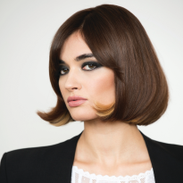 HOW-TO: Bold Brunette With Airy Movement