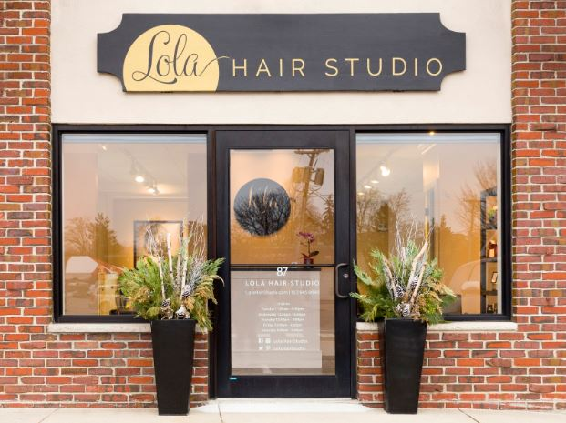 Lola is located on a corner street-level storefront in a small block of stores.  There's enough privacy so guests don't feel on stage but also enough to get a peek of what is going on inside.