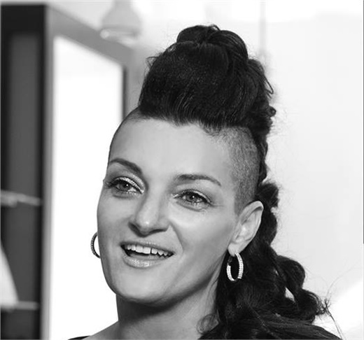 Jen Planck is a master stylist, motivational speaker and innovator.