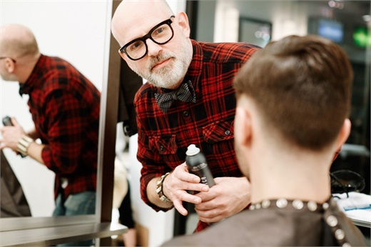 Inspired by the Daymaker Movement, Anthony Lickteig of Juut Salonspas, is attentive of every detail of customer service.