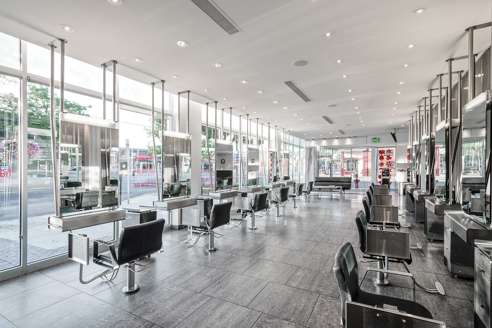 "<p>The award-winning décor in Royal Oak features ""floating"" salons that prevent hair and debris from accumulating on the floor.</p>"