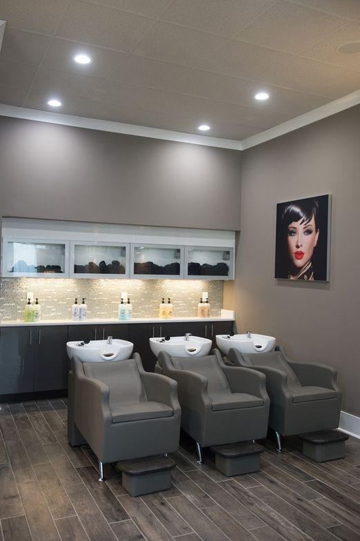 The shampoo area gleams with backsplash sparkle.