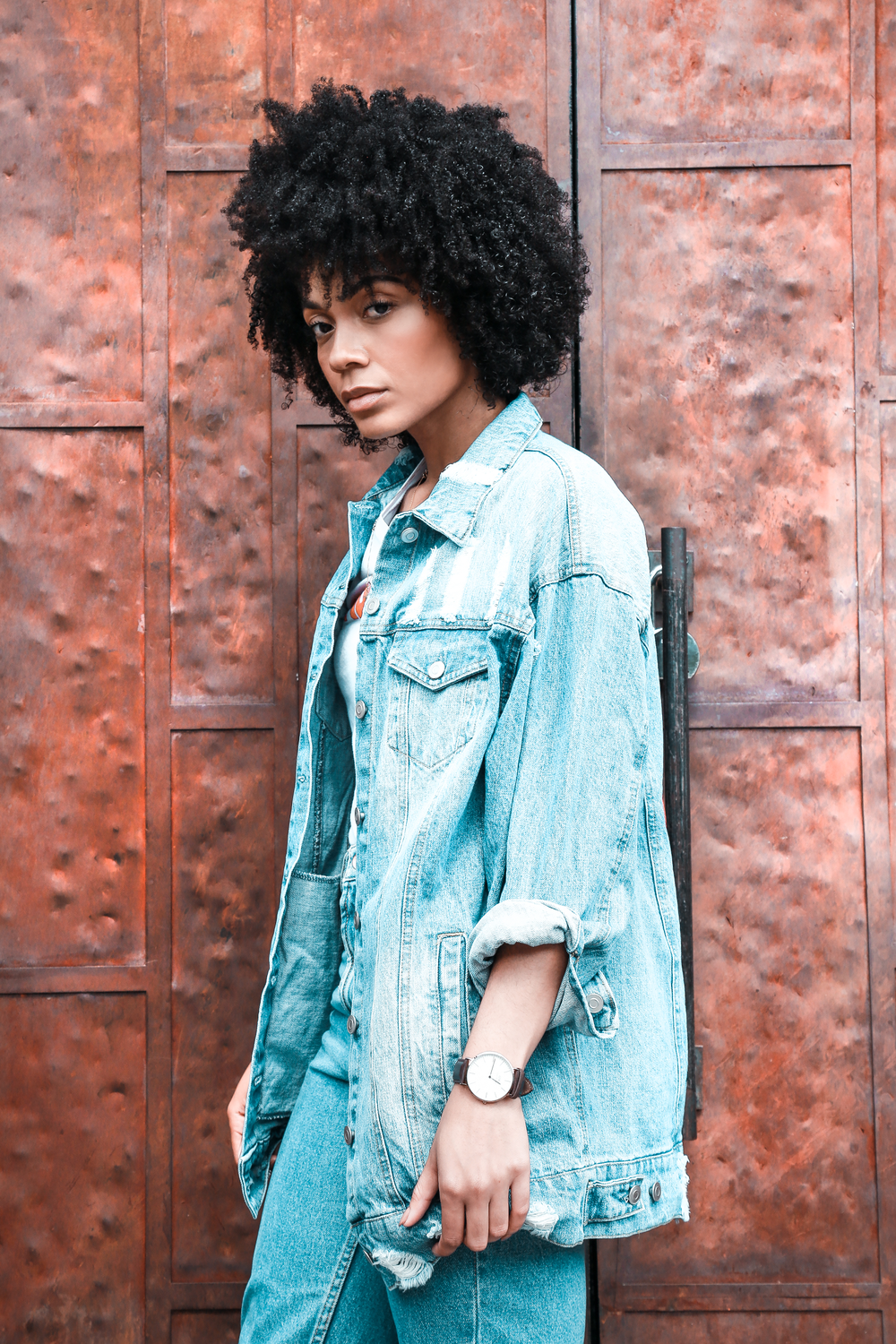 "<strong>KIA MARIE</strong> <a href=""https://www.instagram.com/thenotoriouskia/"" target=""_blank"" rel=""noopener"">@thenotoriouskia</a>  A Brooklyn native with West Coast roots to match, Kia is a fashion stylist, and style and beauty blogger. A Texture Type 6, expect to see Kia rocking her signature look – natural curls with a bold red lip."