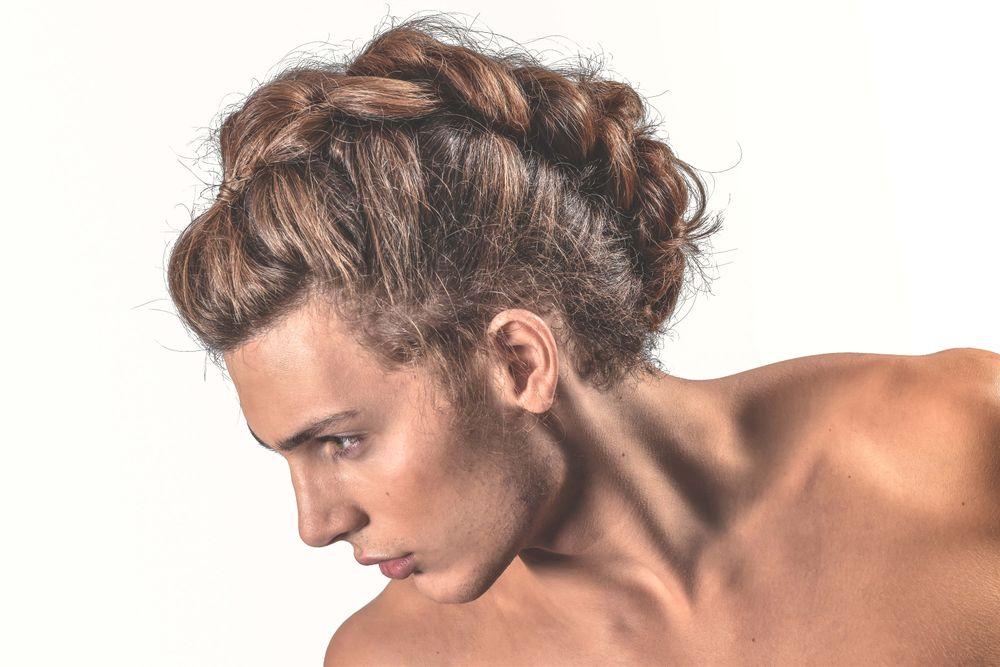<p>Hair: Brooklyn Allen------</p> <p>Product: 18.21 Man Made Clay, Paste, Hair Spray-----</p> <p>Makeup: Kaja Gybasova</p> <p></p>