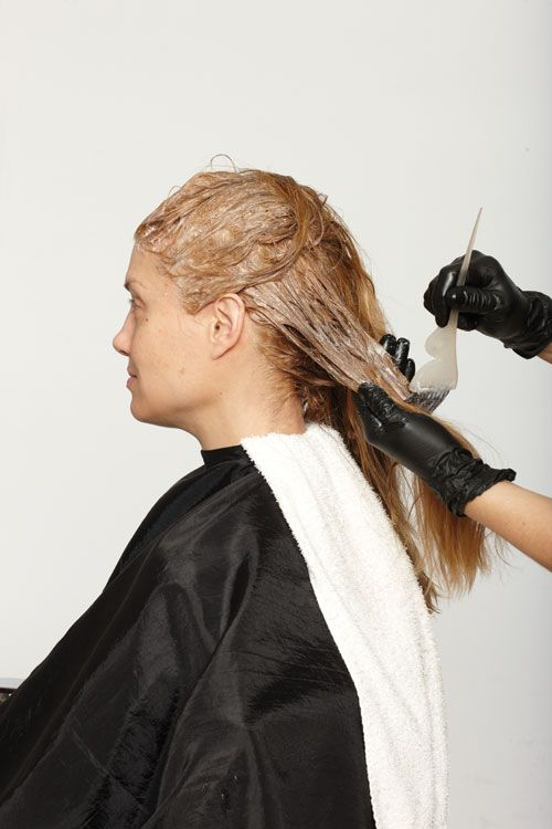 2. Blend one part Davines 10A with two parts 40-volume developer. Work though along the lengths to the ends.