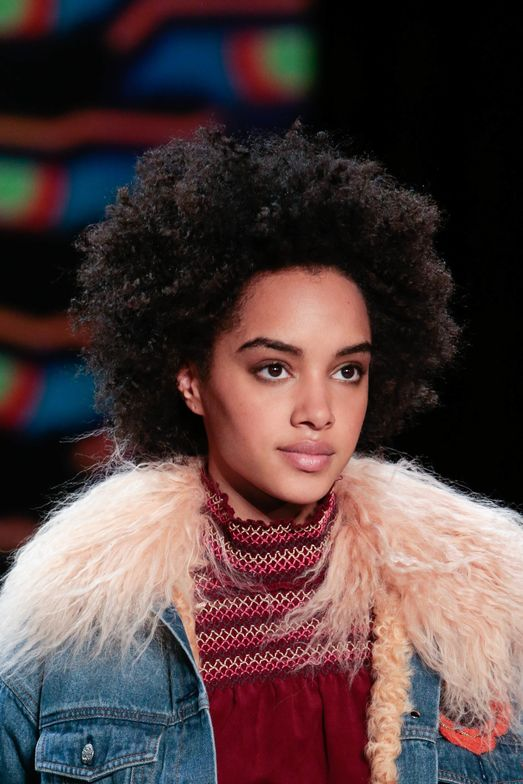 """""""This season, Vivienne Tam drew inspiration from the Himalayan culture, mixing bold colors, prints and playing with textures that work to enhance each girls' natural beauty,"""" saysMoroccanoil Global Ambassador <strong>Antonio Corral Calero</strong>."""