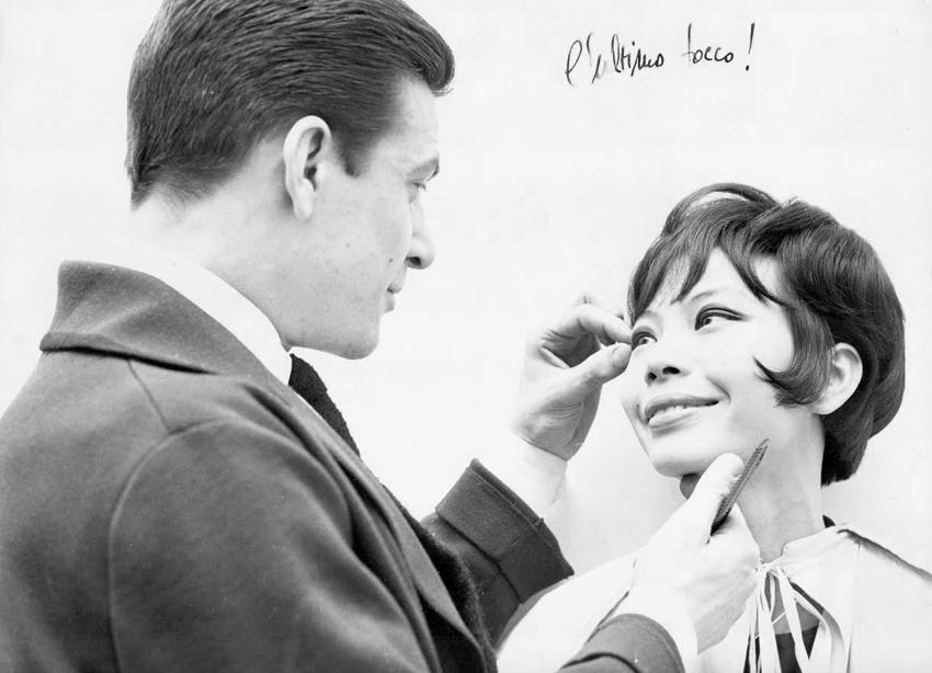 Gamine adoring her hair, and Raphael, Raphael & Leonard, London, 1962/3 Photo: Courtesy Renato Santarossa