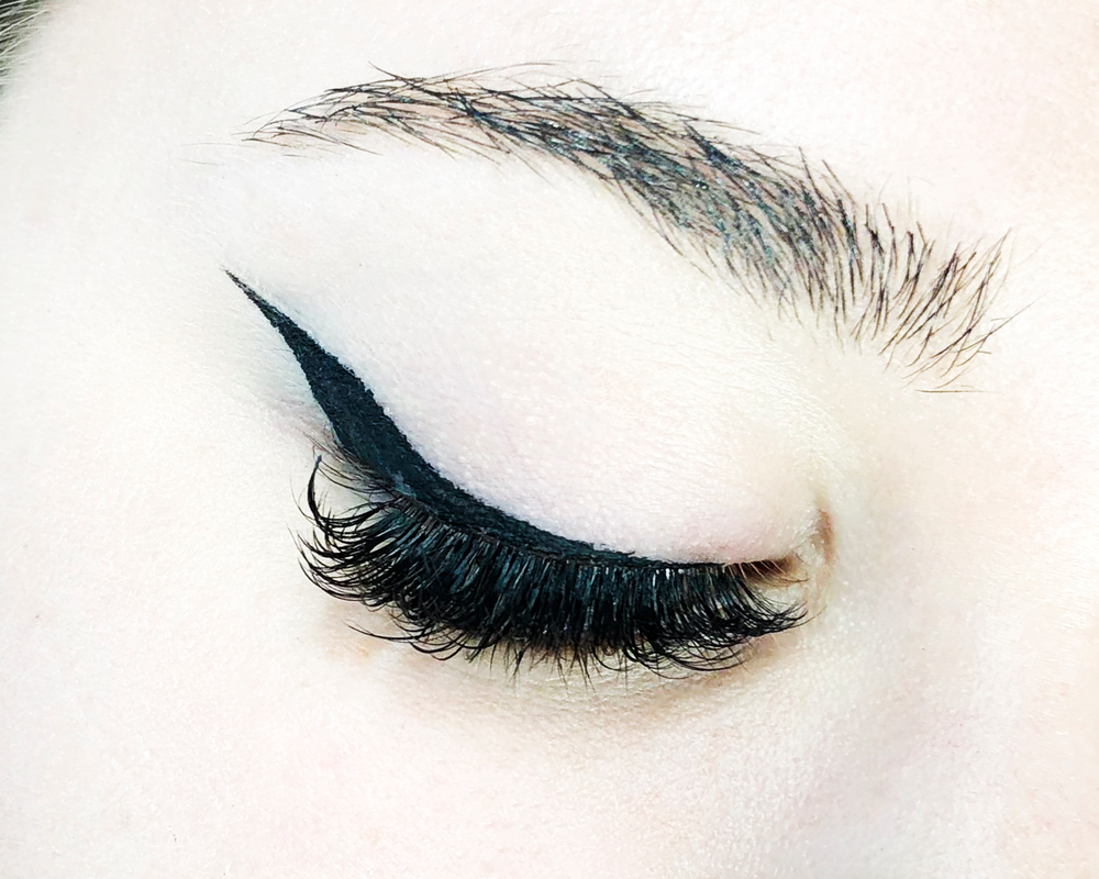 <p><strong>Don't hold back. Clients requesting cat eyes are in it for the drama!</strong></p>