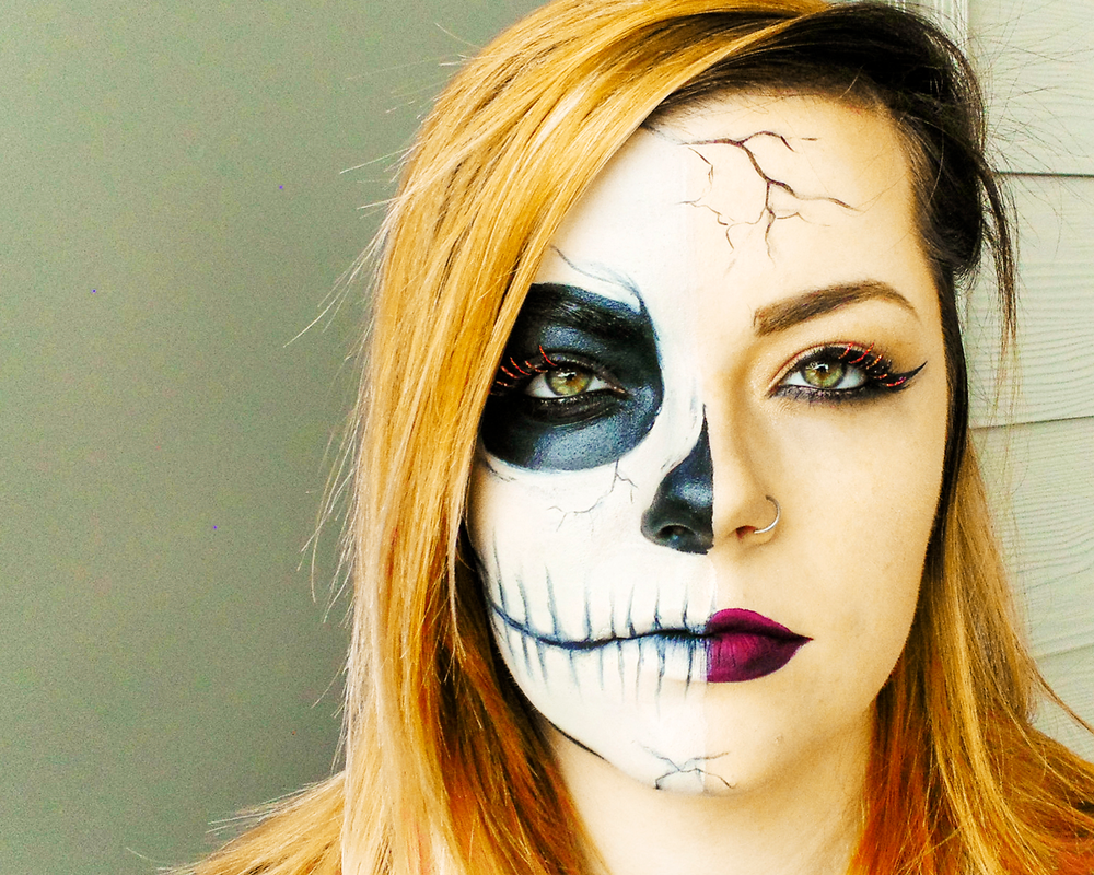 <p><strong>Use your mad Halloween makeup skills to generate interest in your work on social media.</strong></p>