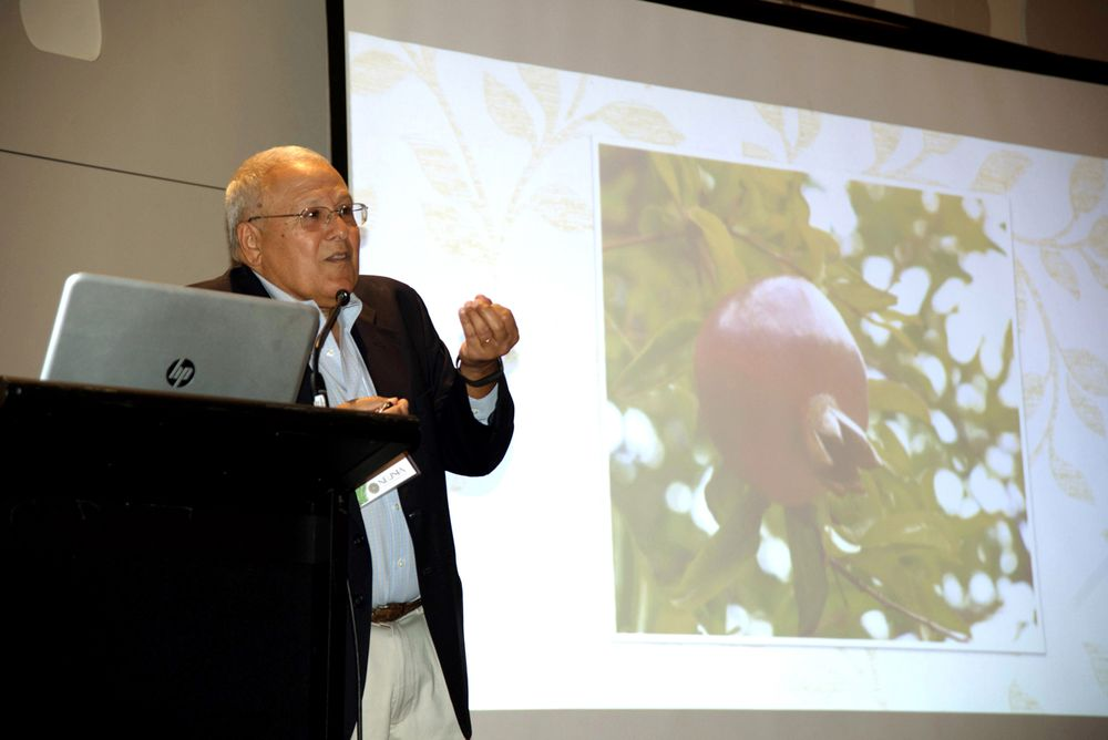 NEUMA was honored to host two special event speakers. Dr. Nadim Shaath, President of Alpha Research & Development, spoke on the historical importance of essential oils and how ecological and sustainable sources affect product fragrances today.