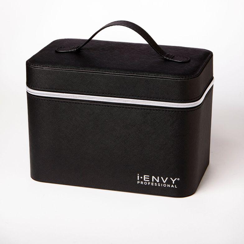 i-Envy's Eyelash Starter Kit is for new professionals.
