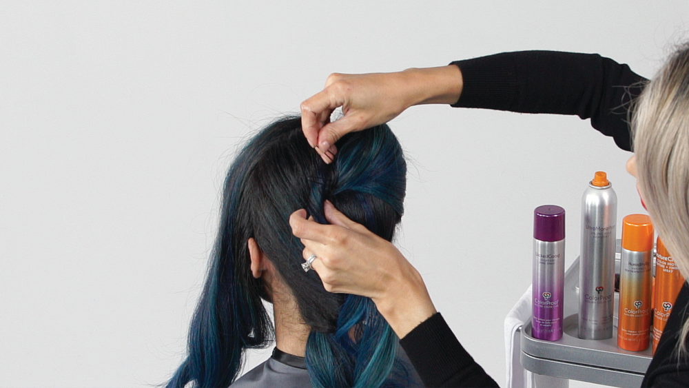 <p><strong>STEP 6: </strong>Use hairpins as placeholders as you create your shape.</p>