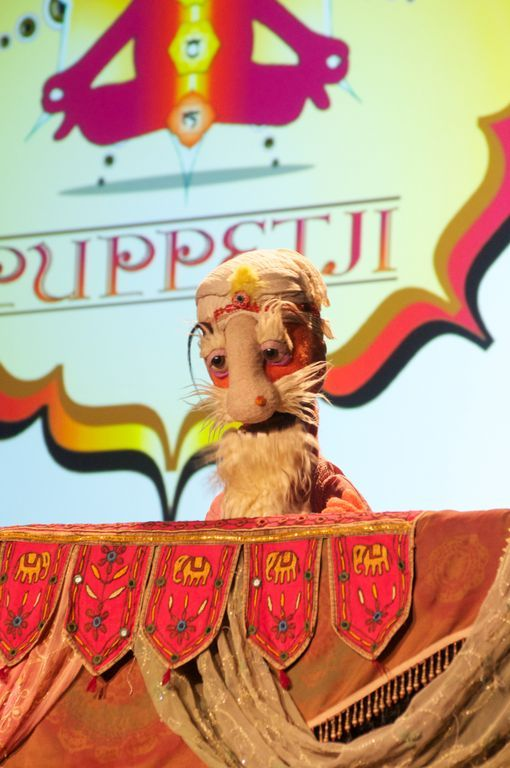 Puppetji opened Serious Business 2013 by encouraging attendees to be present both physically and mentally. (Photo by Ross Neill.)