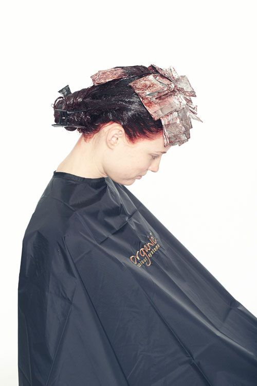 10. Process under medium heat for 15 minutes and then an additional 15 minutes without heat. Rinse and towel dry the hair.