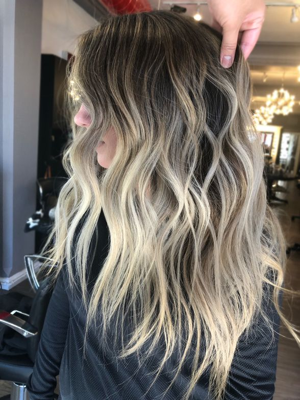 <strong>Babylights + Balayage (front)<br /></strong>
