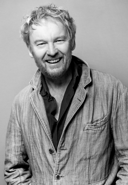<p><strong>Oribe Creative Director Ronnie Stam</strong></p>