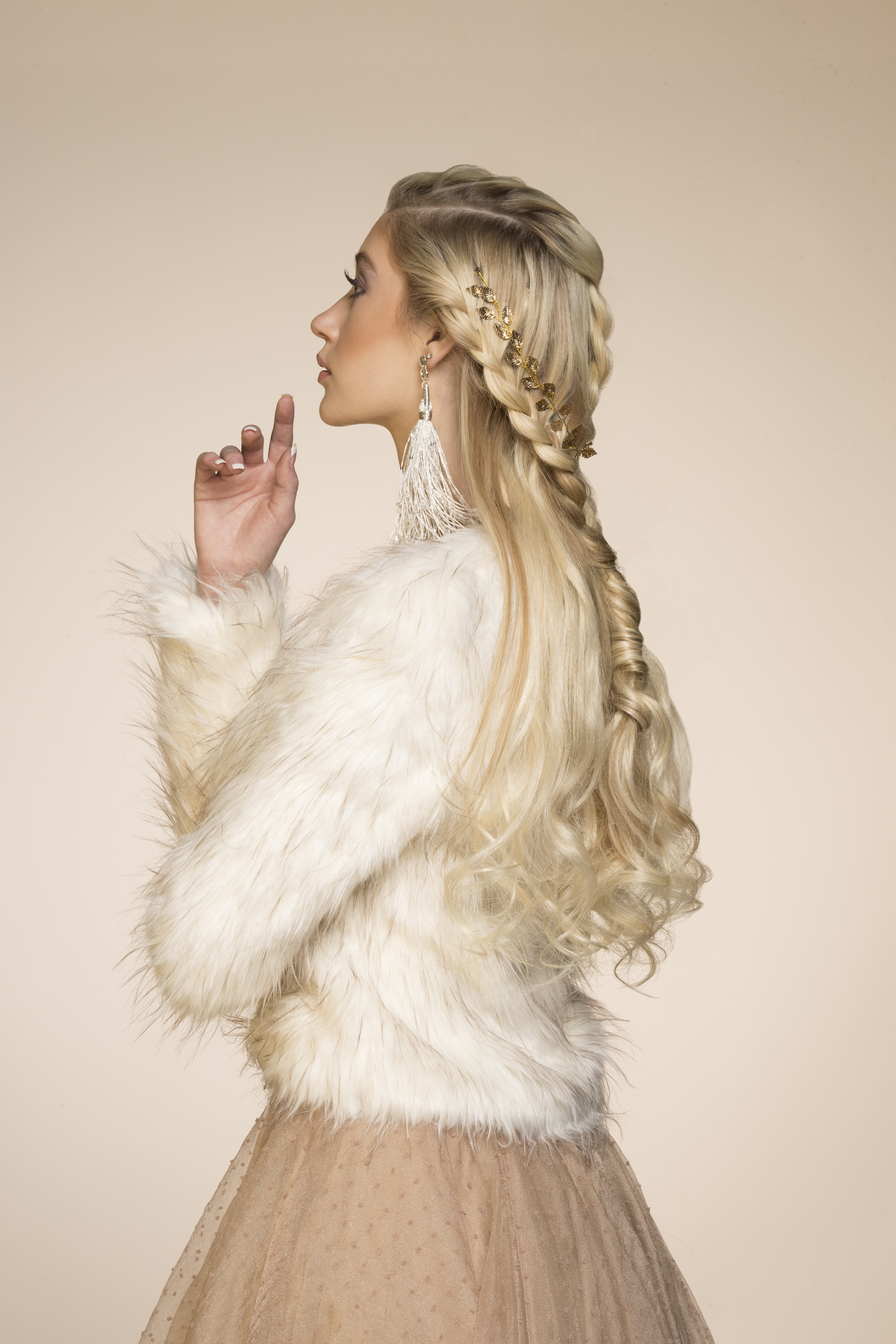 VIDEO HOW-TO: The Season's Most Romantic Braid