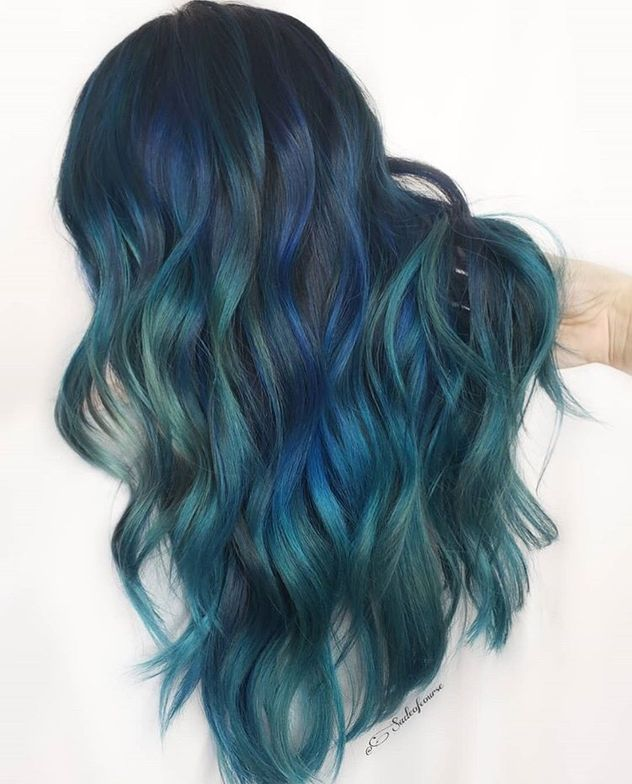 We love the hues she made in this blue look.