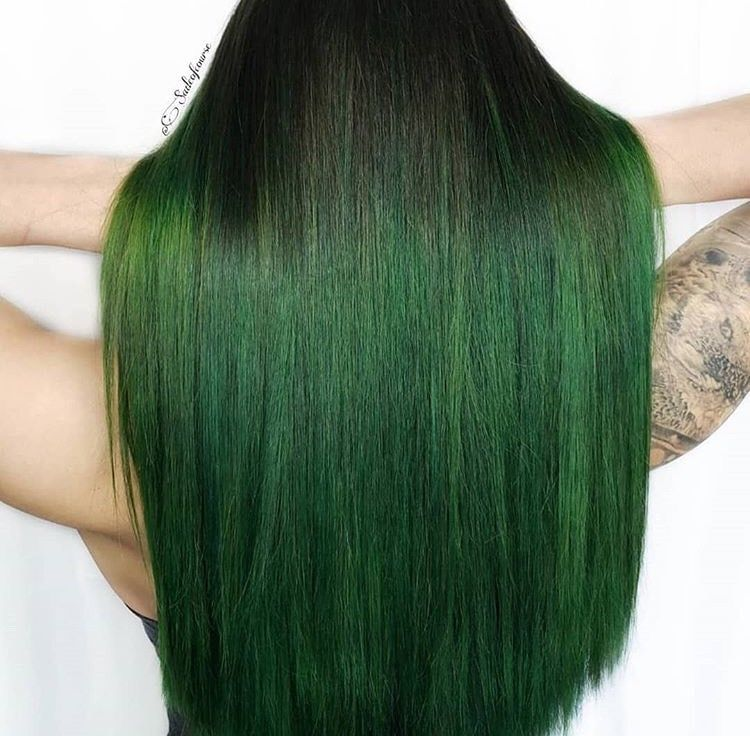 We are green with envy over this color.