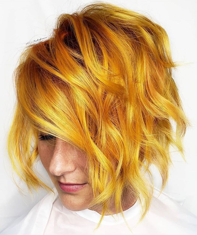This yellow lob is everything.