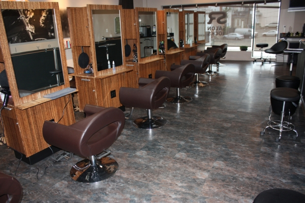 Salon Rocks in Englewood, New Jersey, features SelecTech's Freestyle flooring.