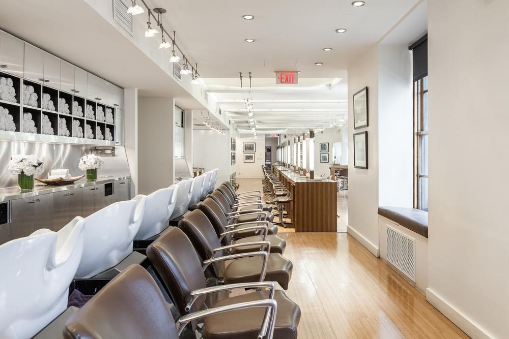 The shampoo area at Salon AKS.