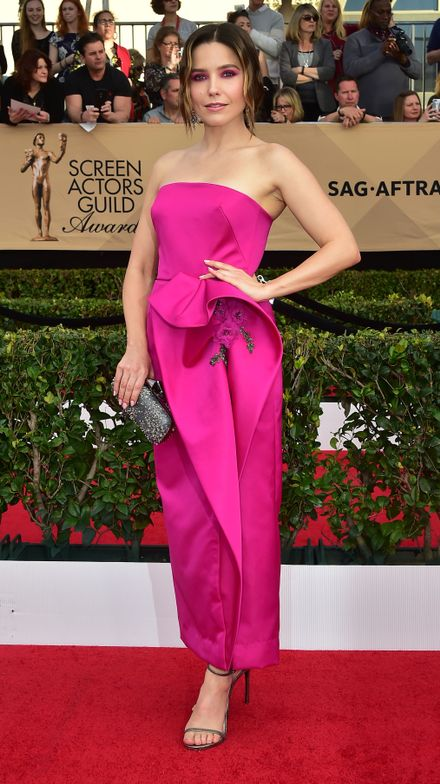 "<strong>SOPHIA BUSH, Inspiration</strong>: ""Sophia and I chose Essie's <strong>sugar daddy</strong>, a sweet, soft pink to create a natural nail. The polish coordinated beautifully against her dynamic, hot pink Marchesa dress,"" said Celebrity Manicurist, <strong>Millie Machado</strong>."