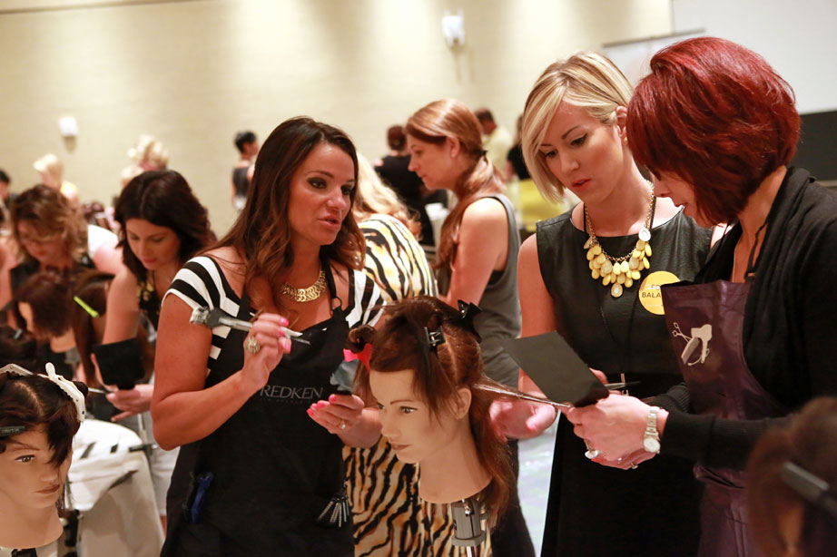 Attendees at a Sunlights Balayage workshop at Premiere Orlando 2015. (photo credit: Premiere Orlando) Premiere Orlando