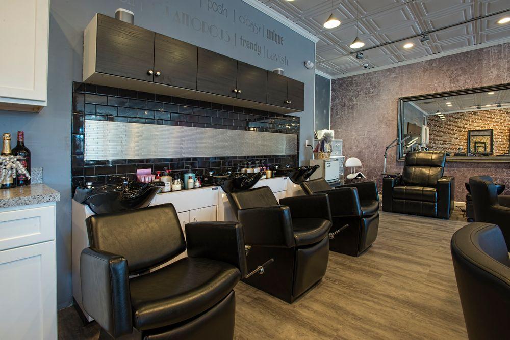 The shampoo area at Swank Salon.