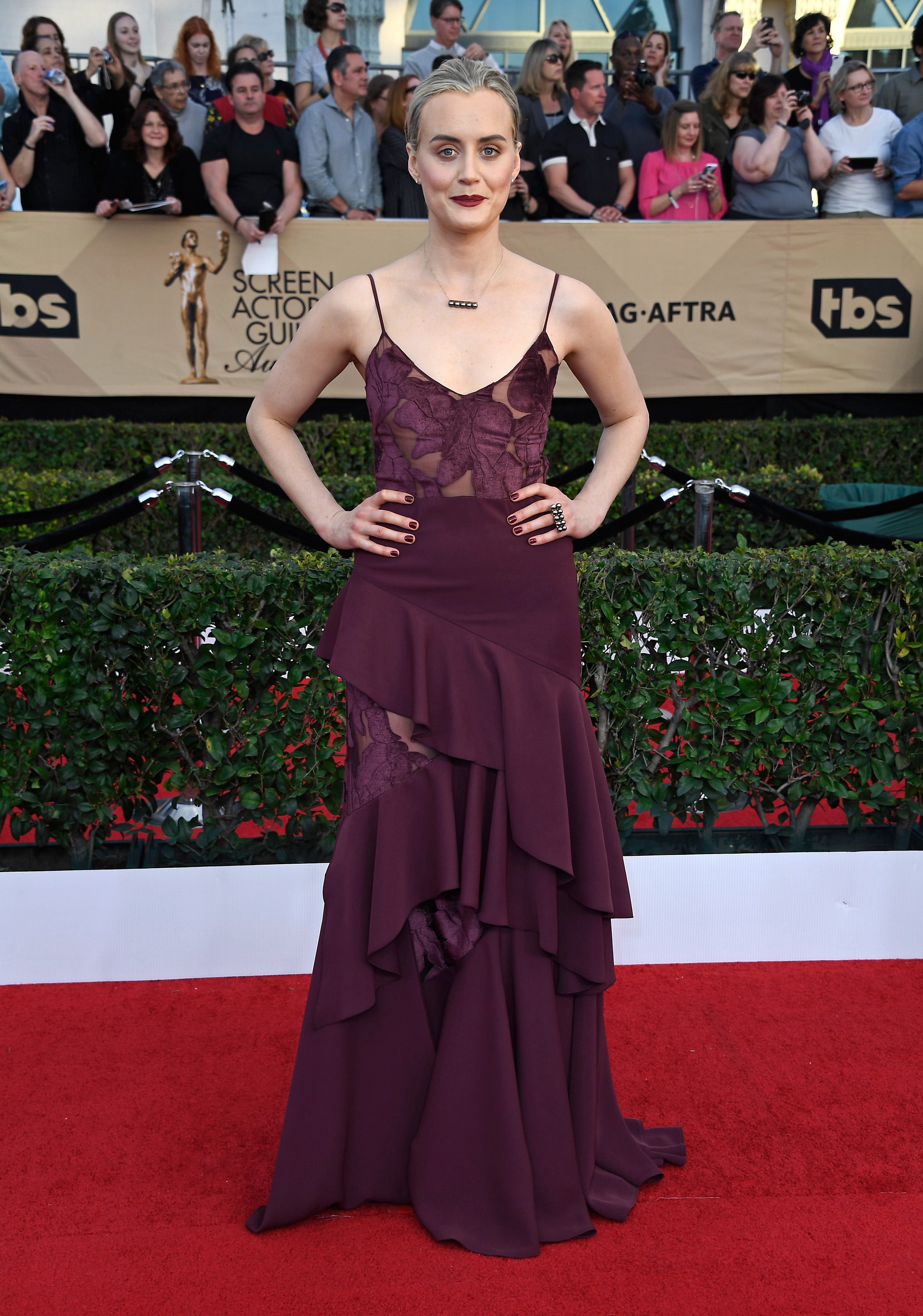 Stars Rock the Red Carpet in Essie Manicures at the SAG Awards
