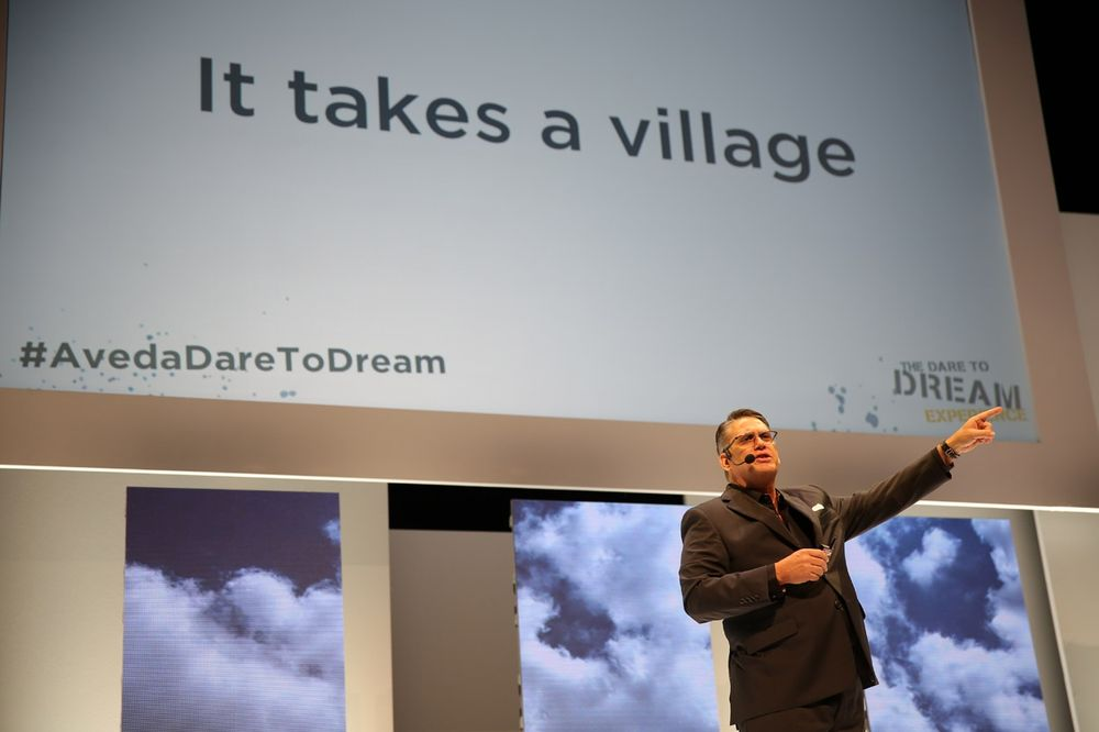 <p>The Salon People&#39;s Tom Petrillo encourages attendees to tap into their dreams.</p>
