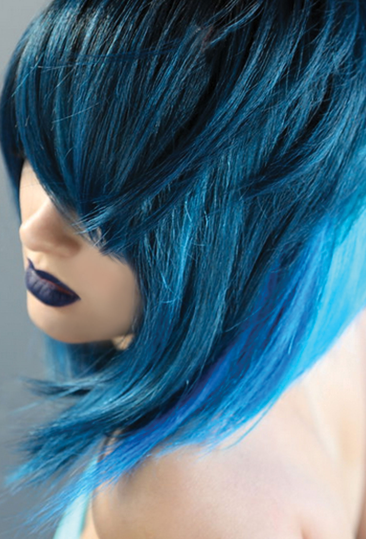 FORMULA: Vibrant Turquoise-Blue Hair Color