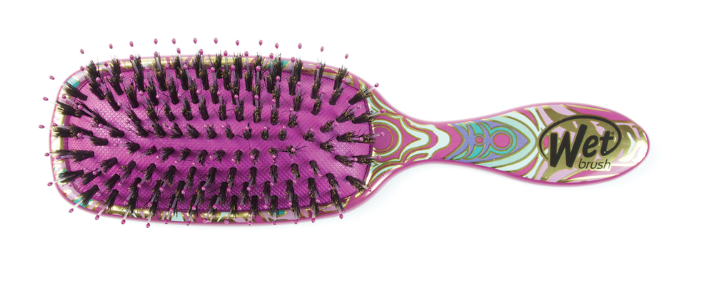 The Moroccan Shine Brush in pink.